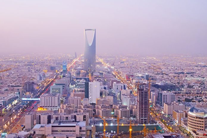 Saudi Arabia bans medical staff from wearing tight clothes, hats and makeup to work